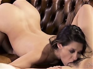 Shyla Jennings and Penny Pax lezzie 3some