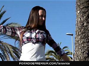 LA newcomer - voluptuous babe Mea Melone outdoors nailing