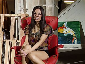 Boobtastic Yurizan Beltran spreads her gams on the rubdown table