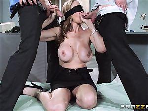 jaw-dropping boss Julia Ann gets a dual creaming