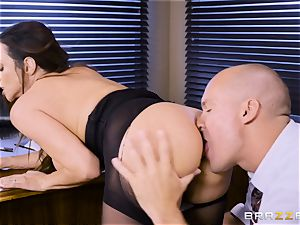 Office huge-chested babe Ariella Ferrera takes hefty wood