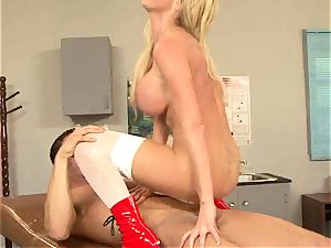kinky Nikki Benz likes getting sopping in jizz