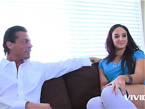 Step daddy luved his step daughter-in-law Sheena Ryder
