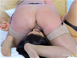 Ava Knoxx and her buddy riding man sausage