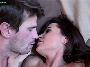 milf pornographic star Lisa Ann goes for a morning fucky-fucky