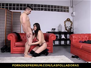 LAS FOLLADORAS - puny asian doggy style screw