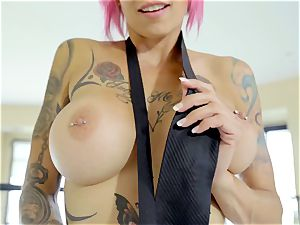 My lovely tatted paramour Anna Bell Peaks enjoys my manstick