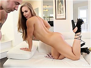 Nicole Aniston loving some knob