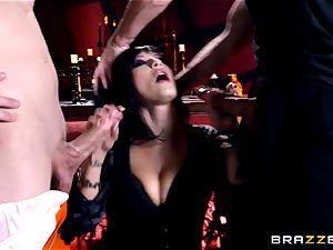 MMF romping for gothic stunner Katrina Jade
