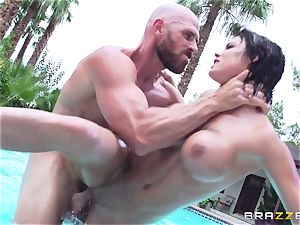 huge-chested Peta Jensen - sloppy fucky-fucky by the pool