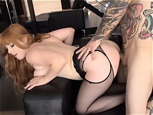 Ginger babe Penny Pax takes puny arms enormous schlong deep