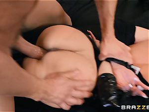 Brandi love humped in her wet pussy
