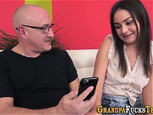 nubile cockslut sucking grandfather