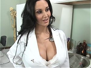 Ava Addams crazy stunning doctor wants rods