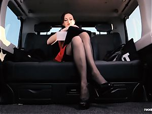torn up IN TRAFFIC - brit Tina Kay fucked in the car