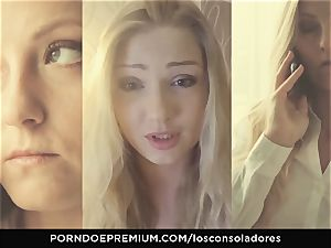 LOS CONSOLADORES - Amirah Adara facial cumshot in FFM three-way