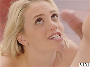 VIXEN Mia Malkova loves hook-up