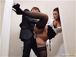 Glory slot - secretary tears up his bootylicious exotic headmistress Susy Gala in a public wc