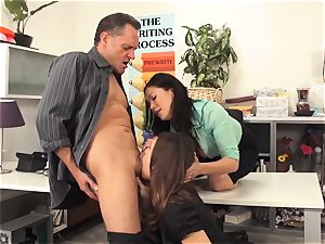 lecturers London Keyes and Jade Nile boink a college girls daddy