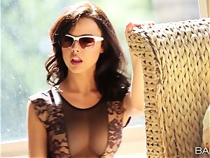 luxurious Dillion Harper makes her vulva jizz and jizz