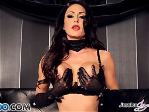 Jessica Jaymes playing with her fabulous vulva pie