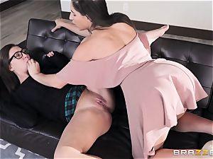 girl-on-girl munching sorority with Abella Danger and Jojo smooch