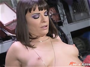 Dana DeArmond gets her super-sexy cock-squeezing cunny tongued and played with