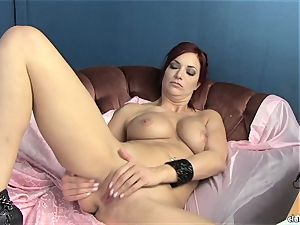 sensuous Jayden Cole enjoys teasing her sweet moist bud