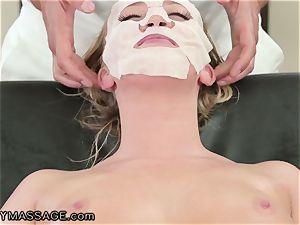 FantasyMassage Bailey Brooke On Top of masseuses man-meat!