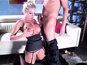 Britney gets a deep chisel and explosion on her donk