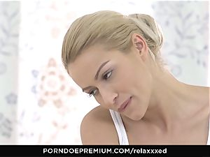 RELAXXXED - cherry kiss gives rubdown and gets smashed