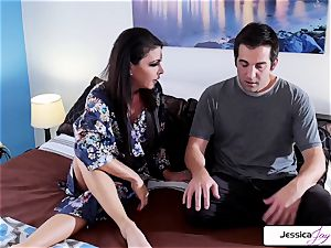 Jessica Jaymes takes Donnie's cock like a champion
