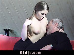 Russian female gargle The hard-on of an elderly granddad