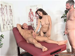 Jade Nile Has Her spouse blow pecker and see Her