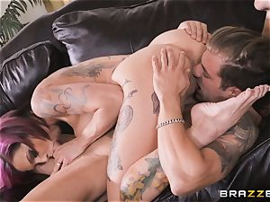 Anna Bell Peaks likes playing games